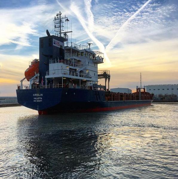 """MV """"Krislin"""" at Papenburg for discharging peatmoss"""