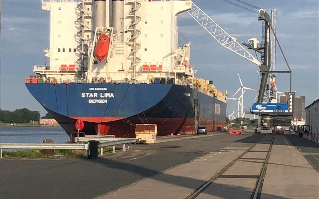 "MS ""Star Lima"" in Emden"